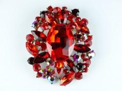 Brosa cristale rosii