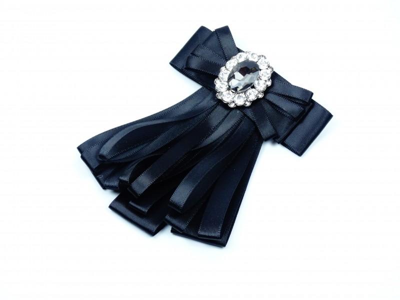 Brosa neagra cristale