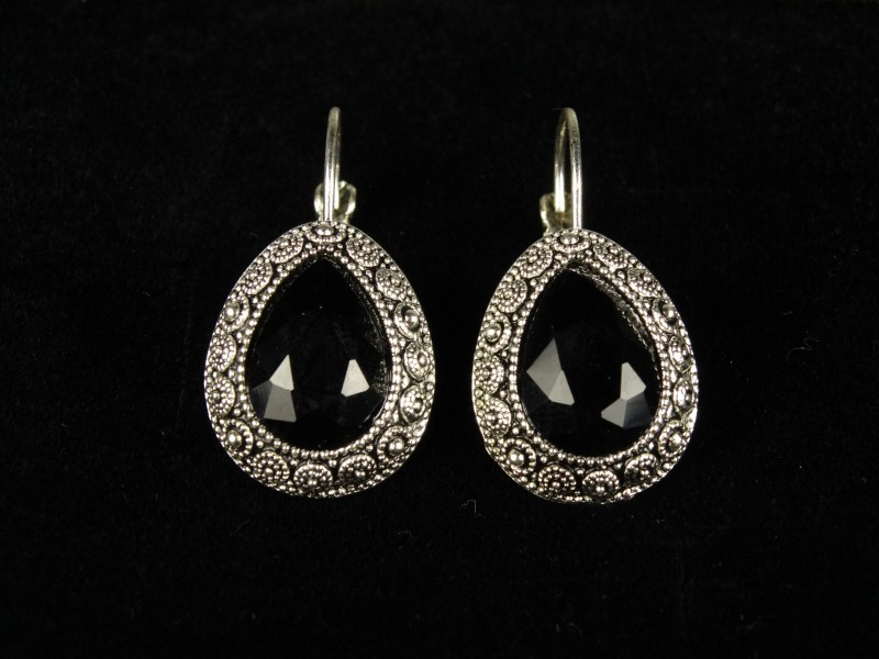 Cercei argintii cristale negre
