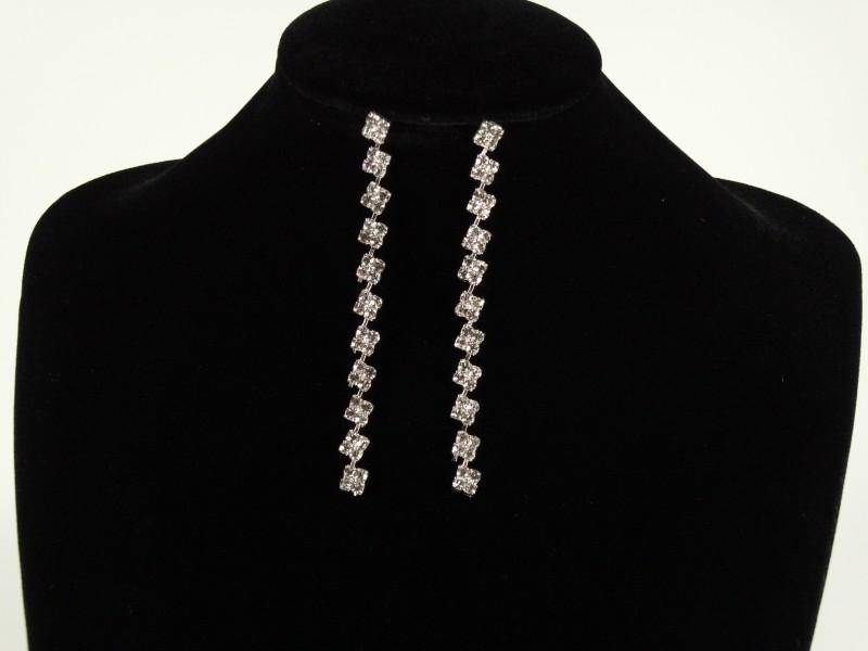 Cercei argintii lungi cristale