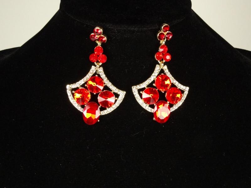 Cercei cu cristale rosii