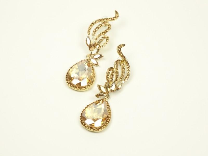 Cercei eleganti aurii