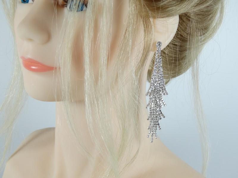Cercei eleganti lungi argintii