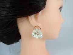 Cercei flori albe si perle