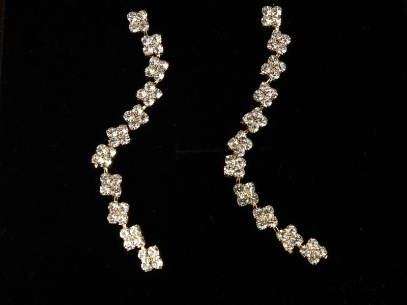 Cercei lungi aurii si cristale