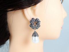 Cercei model floral cristale gri antracit si perle