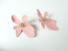 Cercei model flori - roz