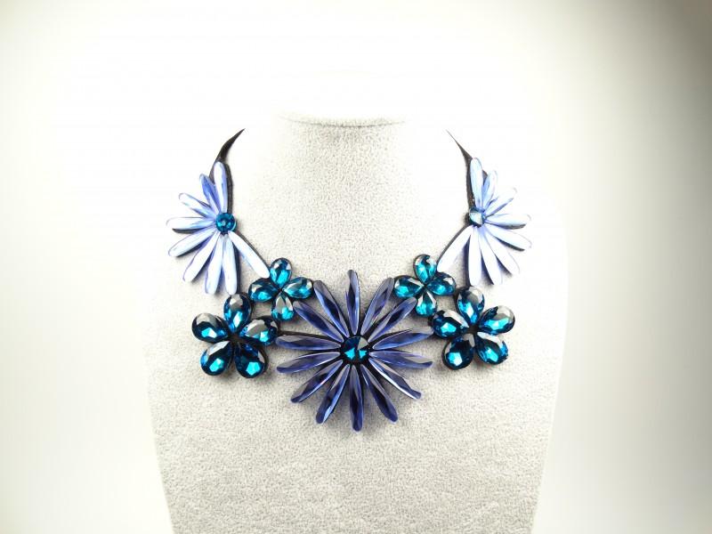 Colier cristale flori albastre