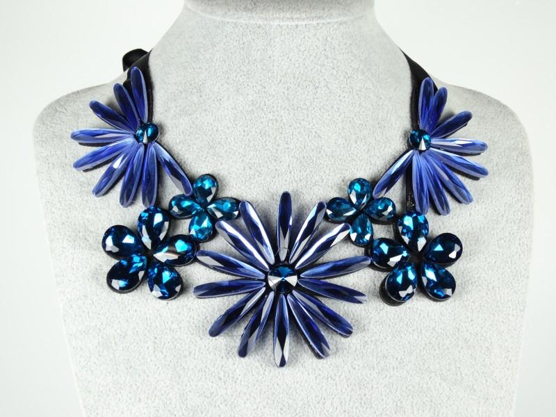 Colier flori albastre si turcoaz