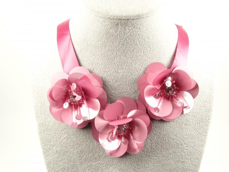 Colier flori roz