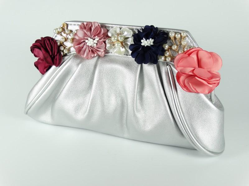 Geanta ocazie tip plic argintie cu flori