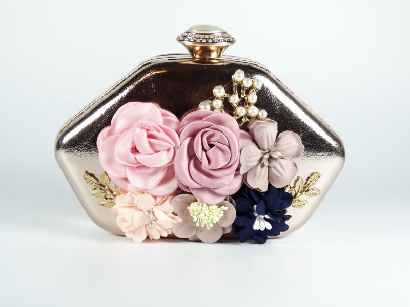 Geanta tip caseta flori si perlute