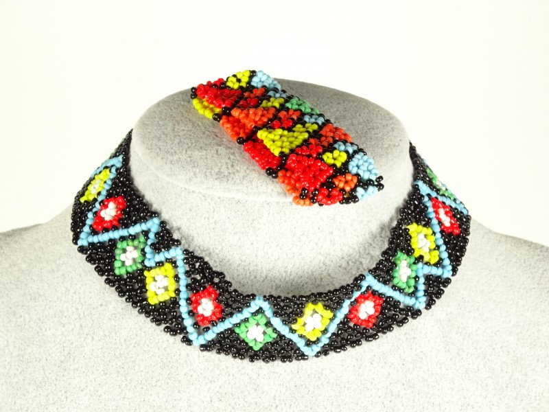Set colier si bratara  din margele multicolore