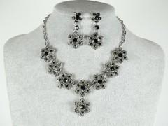Set colier si cercei flori negre