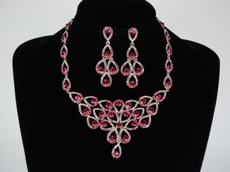 Set colier si cercei roz