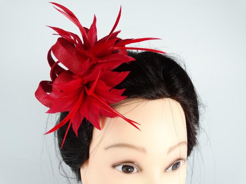 Voaleta model floral pene rosii
