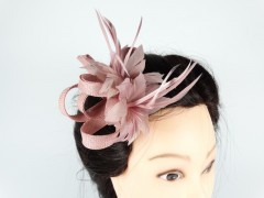Voaleta model floral pene roz prafuit