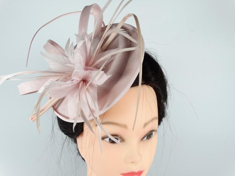 Voaleta - palarie model floral pene roz prafuit