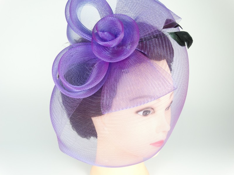 Voaleta violet cu pene - tip plasa